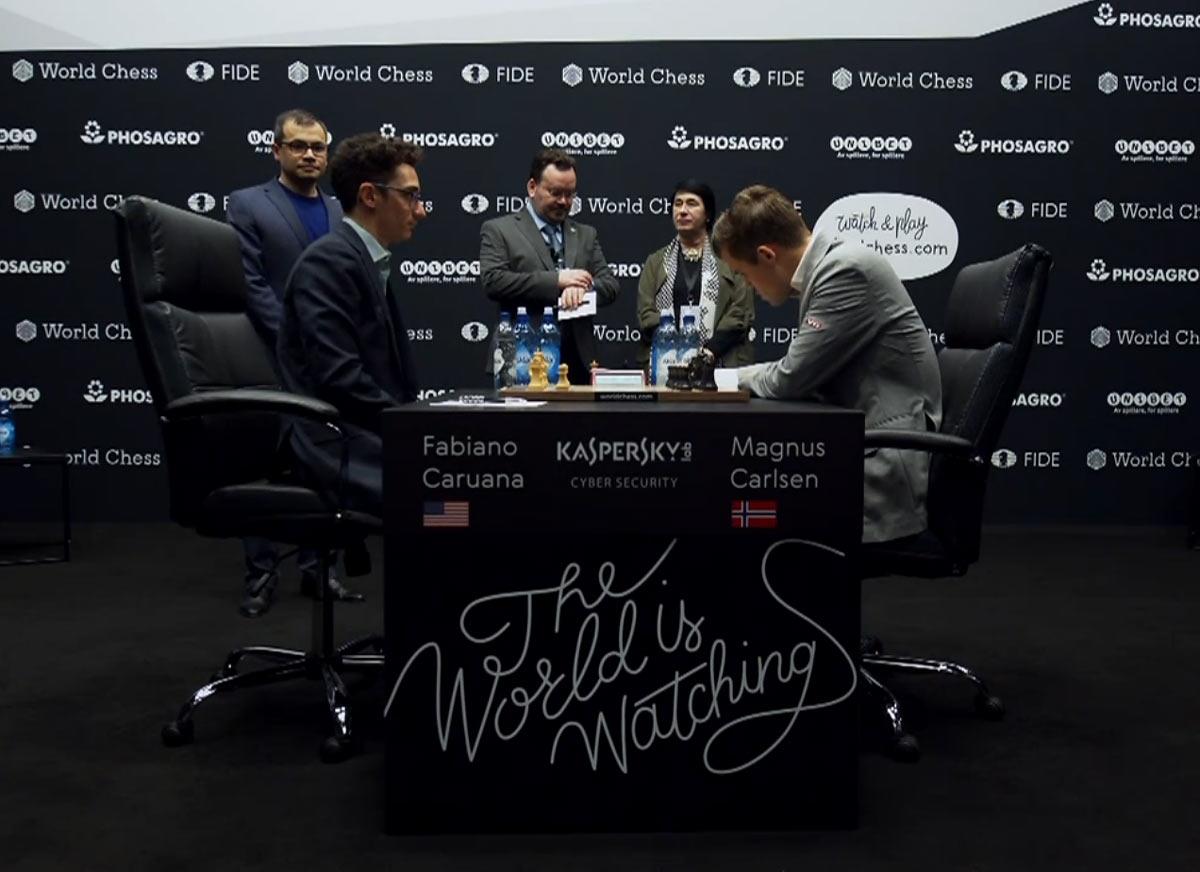 Фабиано Каруана и Магнус Карлсен, партия 8 матча за мировое первенство
