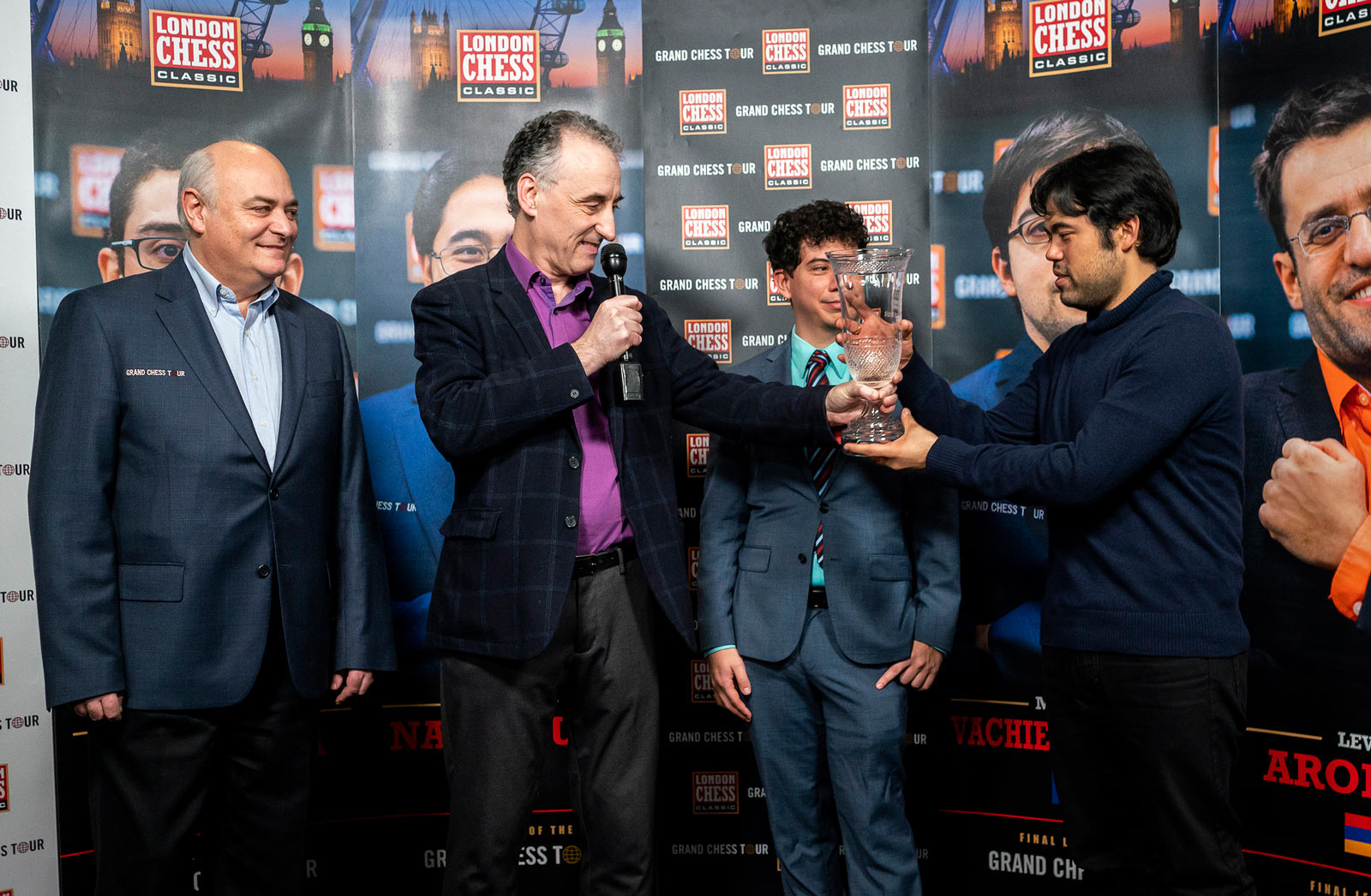 Церемонная награждения победителя турнира London Chess Classic 2018 и Grand Chess Tour 2018