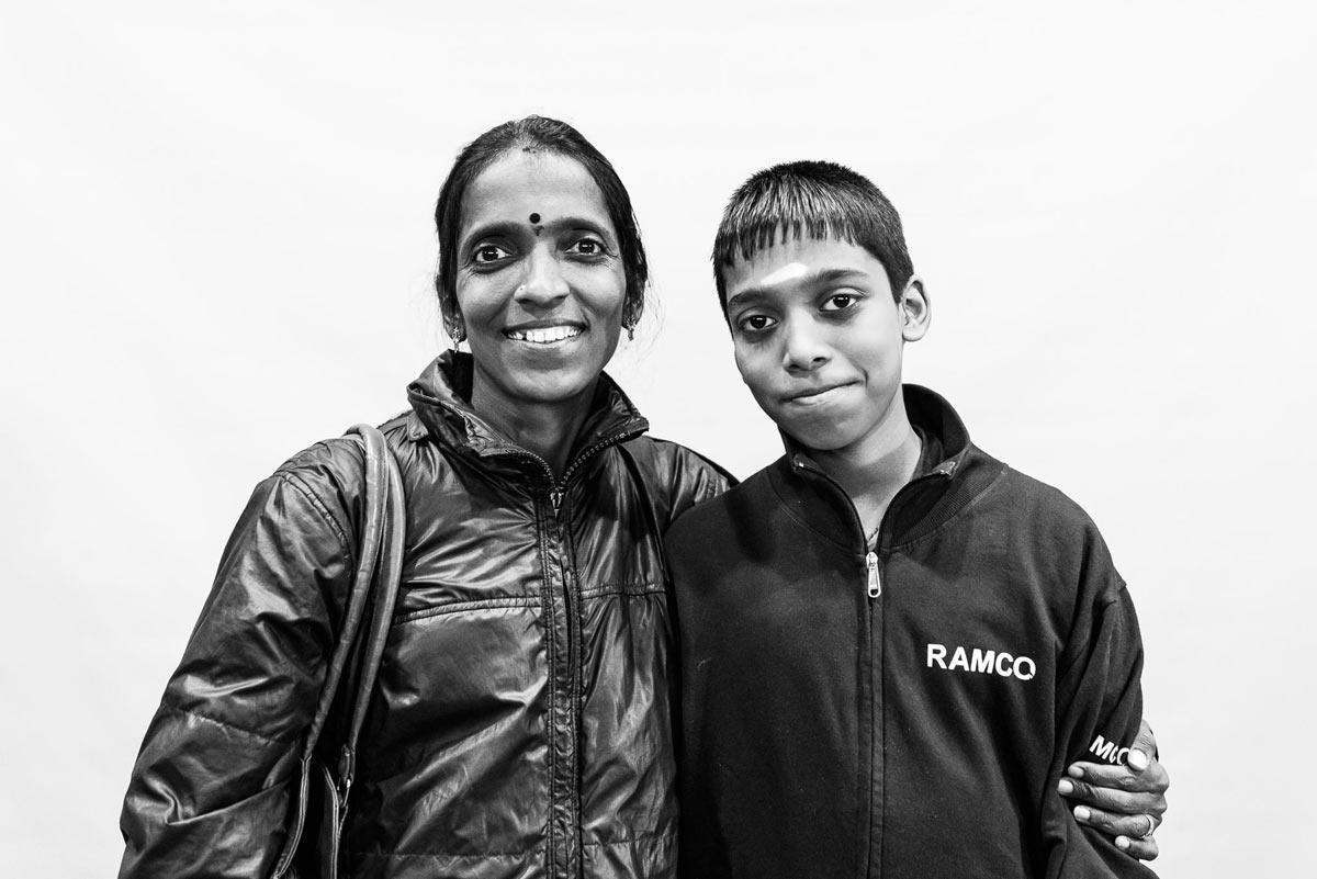 Рамешбабу Прагнанандха с матерью