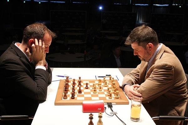 Grenke Chess Classic 2019. Тур 5. Лидируют Карлсен и Ананд