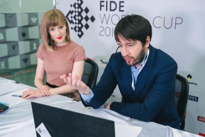 Шахматный комментатор Анна Рудольф и Теймур Раджабов