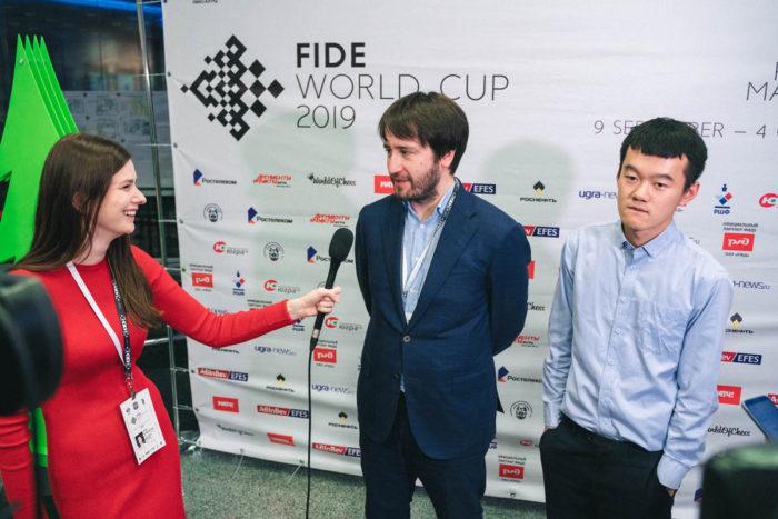 Этери Кублашвили берет интервью у Теймура Раджабова и Дин Лижэня. Кому из них достанется Кубок мира 2019?