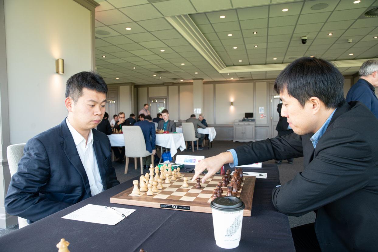Китайские шахматисты Ван Хао (Wang Hao) и Бу Сянчжи (Bu Xiangzhi) - Grand Swiss 2019