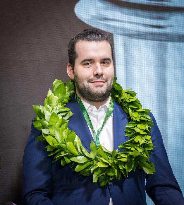 Ян Непомнящий (Россия) - победитель турнира претендентов 2020