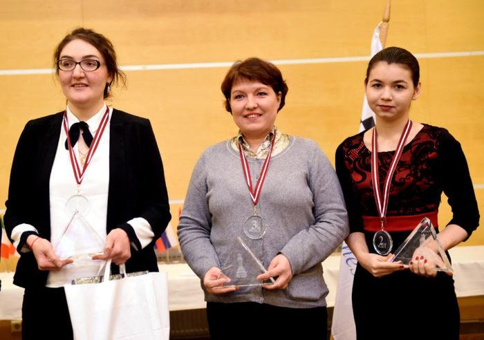 Призёры женского чемпионата Европы по шахматам (Рига 2017): Нана Дзагнидзе (Грузия) - золото, Алиса Галлямова (Россия) - бронза, Александра Горячкина (Россия) - серебро