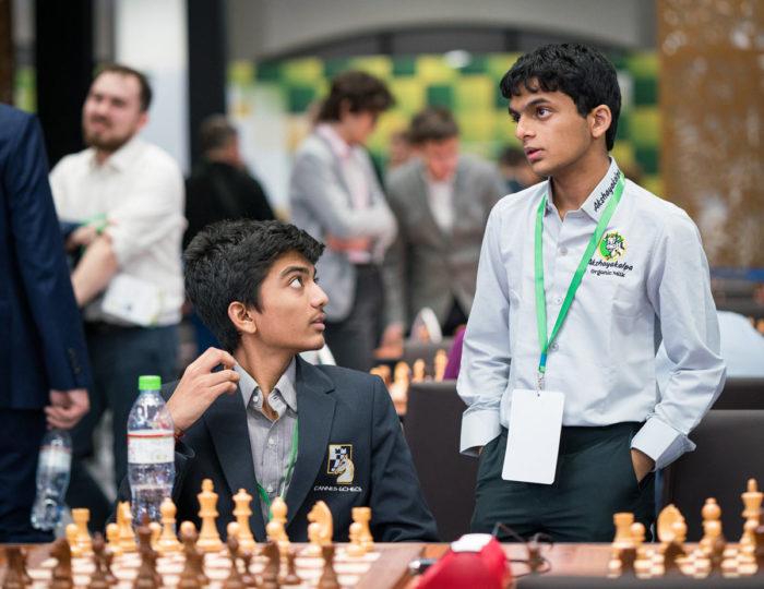 Юные индийские шахматисты Аравиндх Читхамбарам и Нихал Сарин. Чемпионат мира по блицу 2019 (Москва)