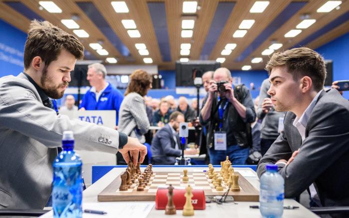 Шахматы Вейк-ан-Зее 2020. Магнус Карлсен (Норвегия) и Йорден Ван Форест (Нидерланды)
