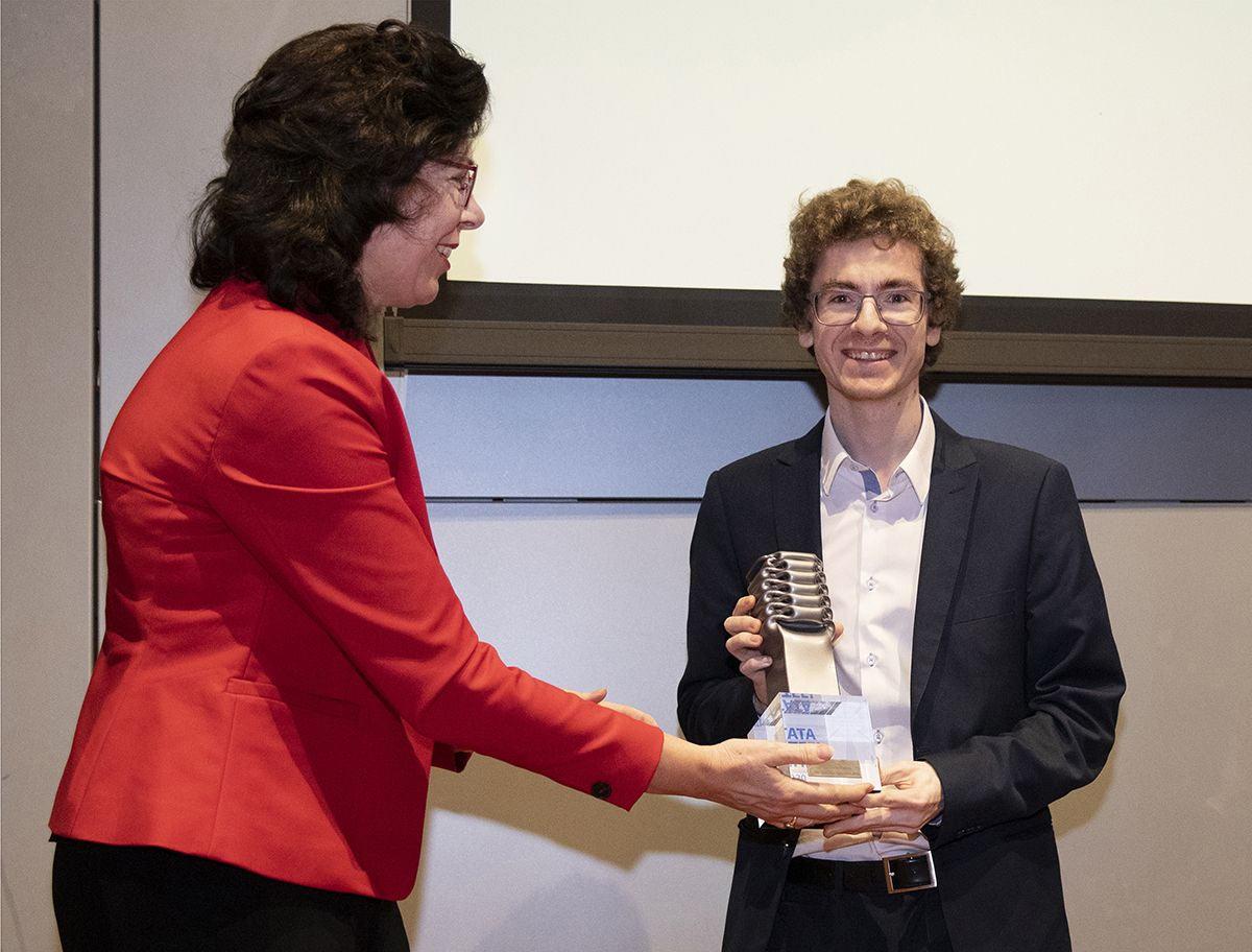 Вручение приза победителю Tata Steel Challengers 2020 Давиду Антону Гихарро (Испания)