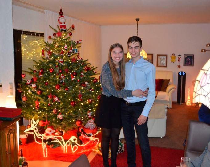 Йорден ван Форест со своей девушкой