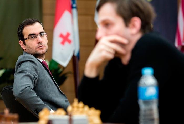 Леньер Домингес Перес и Александр Грищук на турнире по шахматам