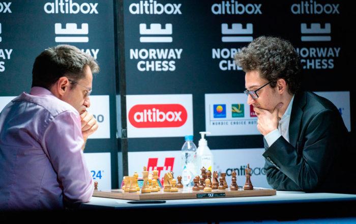 Левон Аронян и Фабиано Каруана (шахматный турнир Ставангер 2020)
