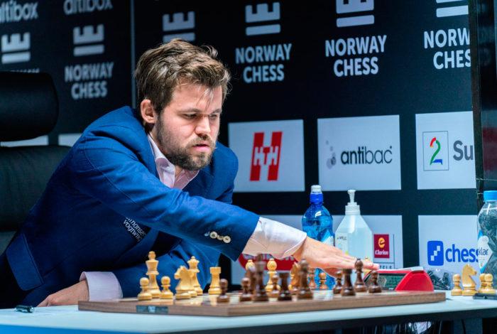 Чемпион мира Магнус Карлсен на турнире в Ставангере 2020