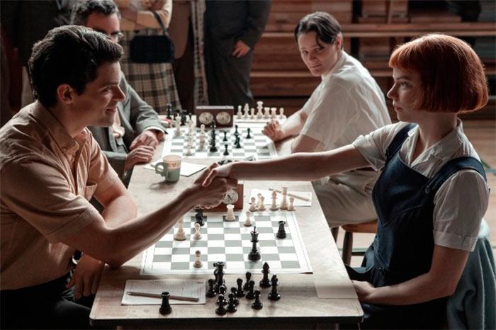 Бет - изгой в шахматном мире мужчин
