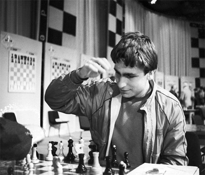 Шахматист Василий Иванчук в молодости (1988)