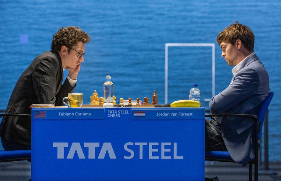 Фабиано Каруана (США) и Йорден ван Форест (Нидерланды). Вейк-ан-Зее 2021, шахматы