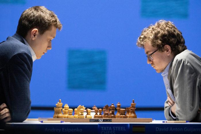 Андрей Есипенко и Давид Антон Гихарро. Шахматы Вейк-ан-Зее 2021, тур 10