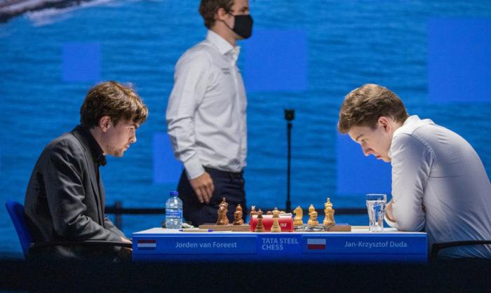 Йорден ван Форест и Ян-Кшиштов Дуда. Вейк-ан-Зее 2021, тур 10