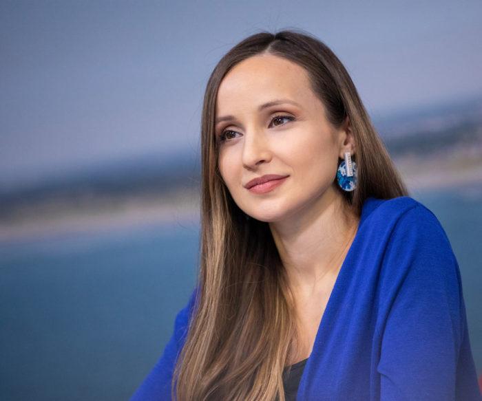 Софико Гурамишвили - комментатор на турнире в Вейк-ан-Зее. Нетрудно догадаться, что Софико болеет за своего мужа - Ашиша Гири