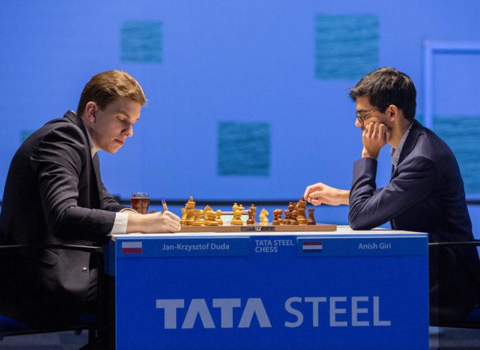 Ян-Кшиштов Дуда (рейтинг 2743) и Аниш Гири (рейтинг 2764). Вейк-ан-Зее, тур 4