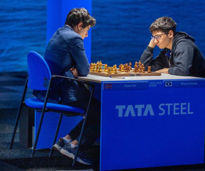 Арьян Тари (рейтинг 2625) и Алиреза Фируджа (рейтинг 2749). Шахматы Вейк-ан-Зее 2021, тур 4