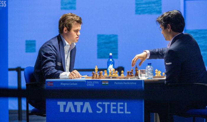 Магнус Карлсен (рейтинг 2862) и Пентала Харикришна (рейтинг 2732). Шахматный турнир Вейк-ан-Зее 2021, тур 7
