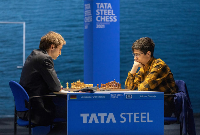 Александр Донченко (Германия) и Алиреза Фируджа (Иран). Шахматы Вейк-ан-Зее 2021, тур 6