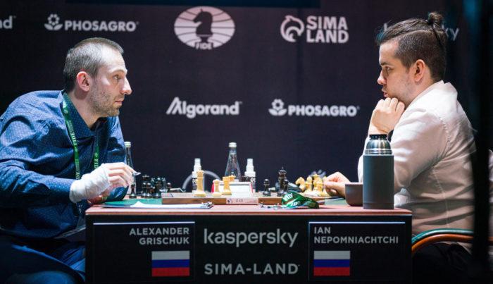 Александр Грищук и Ян Непомнящий. Турнир претендентов по шахматам 2020-2021, Екатеринбург