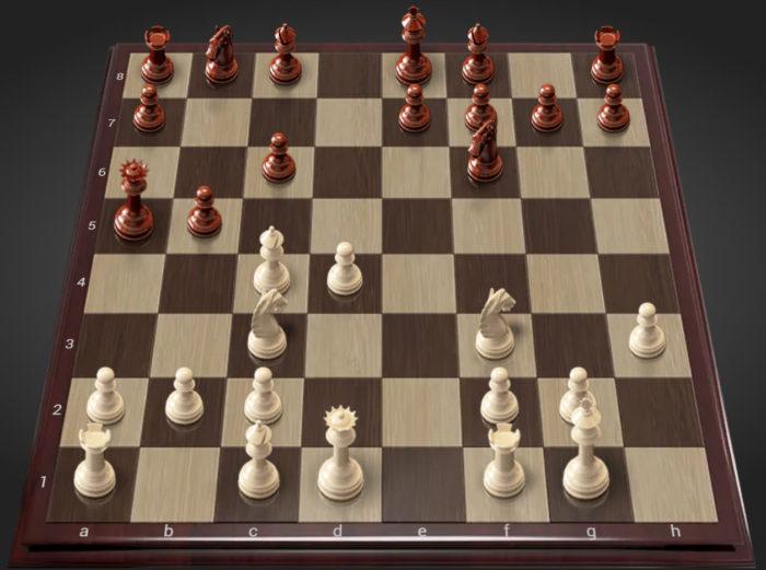 У шахматного симулятора красивые объемные фигуры и доска под дерево