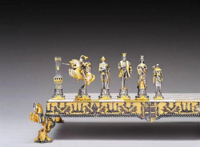 Дорогие шахматы Medieval Venice Chess Set - €28,744 (Средневековый венецианский период)