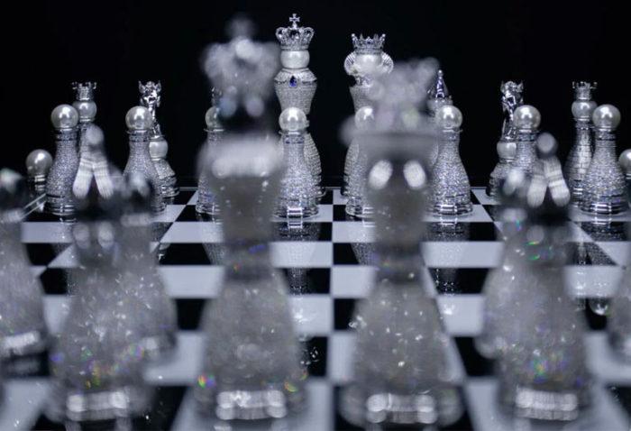 Дорогие шахматы Royal Diamond Chess Set - €470,521