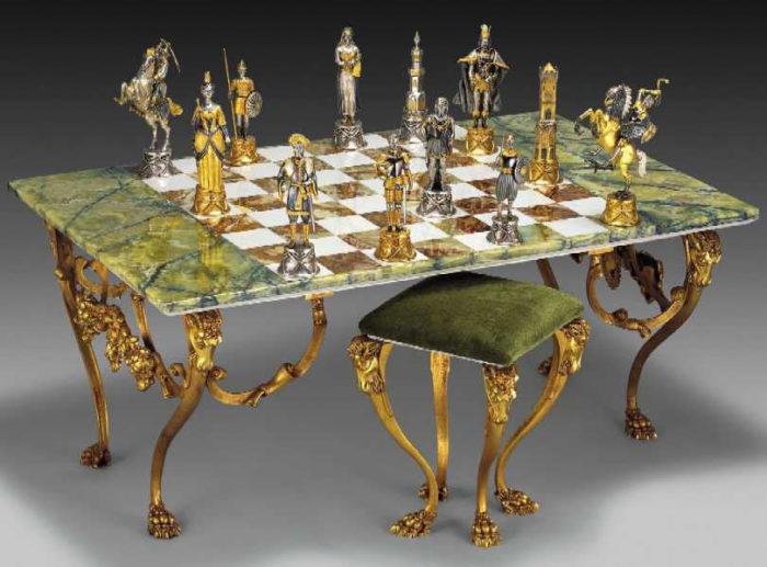 Дорогие шахматы Carolingi XIV Chess Set - €106,879