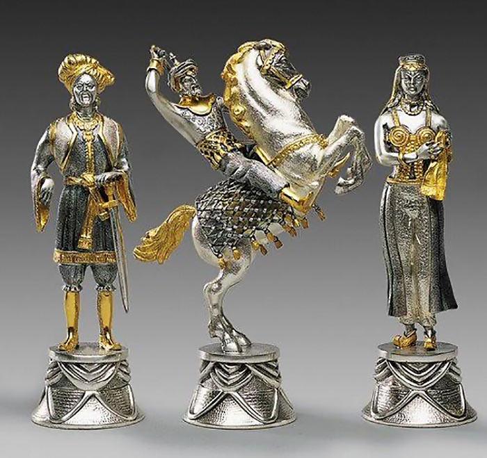 Дорогие шахматы Carolingians and Moors Chess Set - €90,434