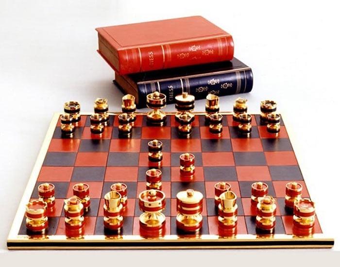 Дорогие шахматы Silver Jubilee Chess Set - €73,401