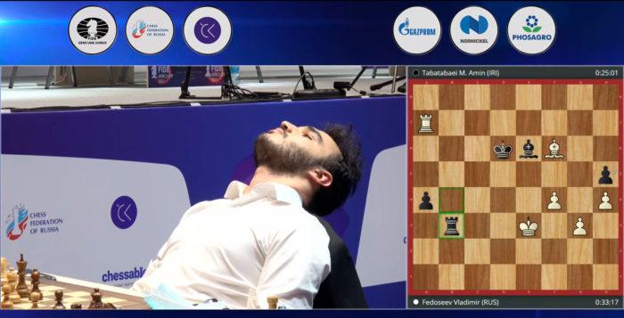 Иранский шахматист понял, что совершил фатальную ошибку и откинулся на спинку стула