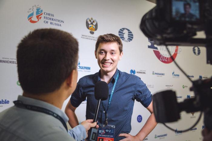 Андрей Есипенко вышел в 1/8, где ему предстоит сразиться с Магнусом Карлсеном