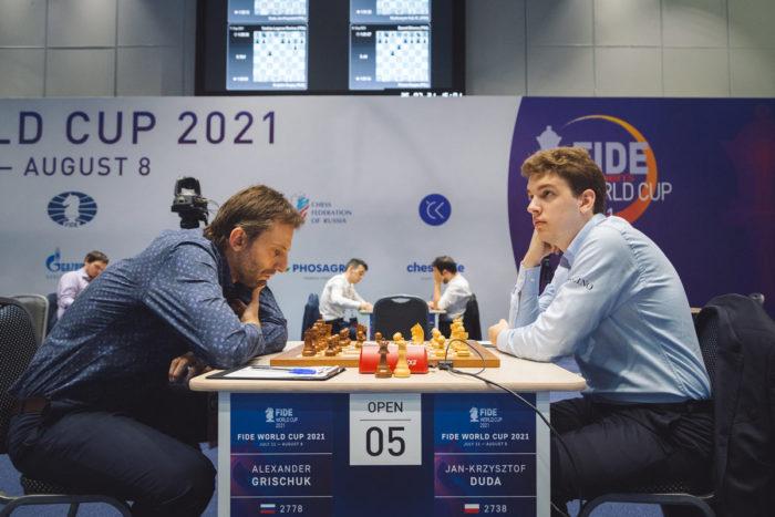 Александр Грищук (Россия) и Ян-Кшиштов Дуда (Польша). Кубок мира по шахматам 2021