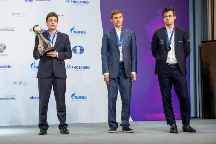 Ян-Кшиштоф Дуда (1 место), Сергей Карякин (2 место), Магнус Карлсен (3 место)
