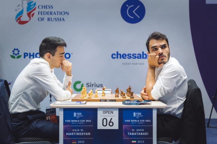 Айк Мартиросян (Армения) и Амин Табатабаи (Иран). Кубок мира по шахматам 2021, Сочи