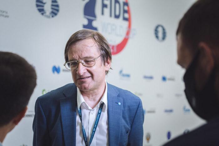Михаил Красенков (57 лет) - польский, ранее советский шахматист