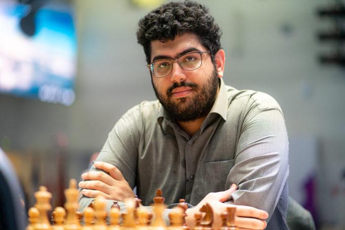 Шахматист Пуя Идани (Иран)