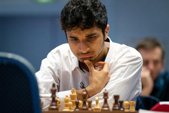 Индийский шахматист Видит Сантош Гуджрати на Кубке мира 2021 в Сочи