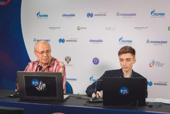 Комментатор Сергей Юрьевич Шипов и Даниил Дубов