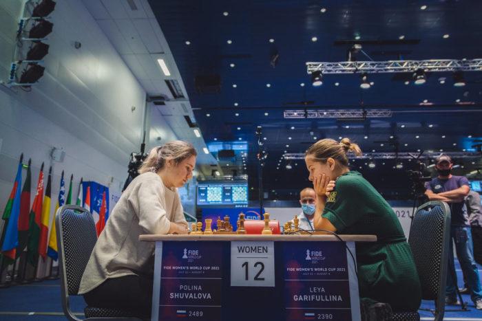Полина Шувалова и Лея Гарифуллина