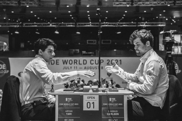 Кубок мири 2021 по шахматам. Арьян Тари (Норвегия) и Магнус Карлсен (Норвегия)
