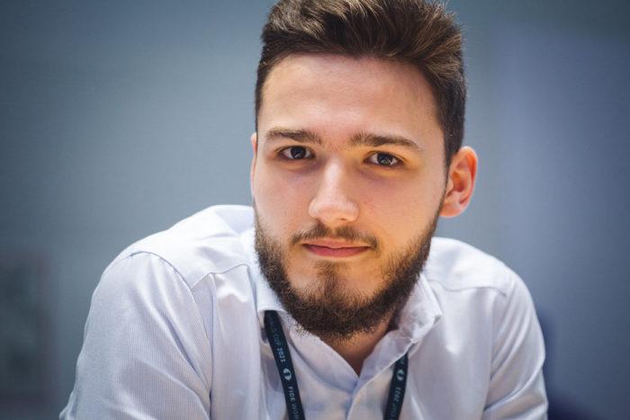 Сербский шахматист Велимир Ивич на Кубке мира 2021 по шахматам в Сочи
