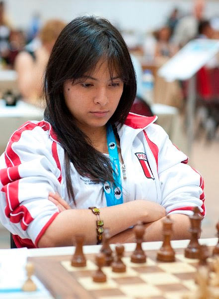 Ингрид Ядира Альяга Фернандес - красивая шахматистка из Перу