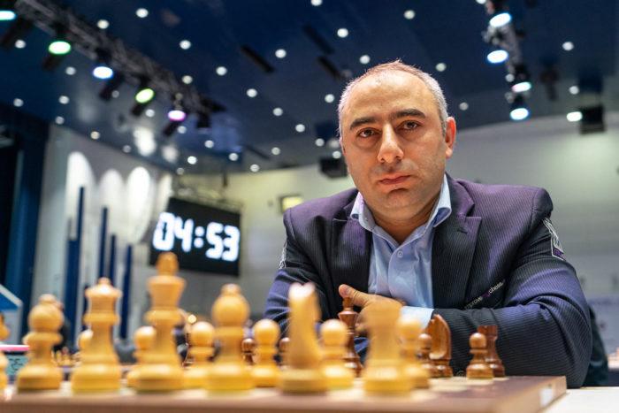 Шахматист Варужан Акопян