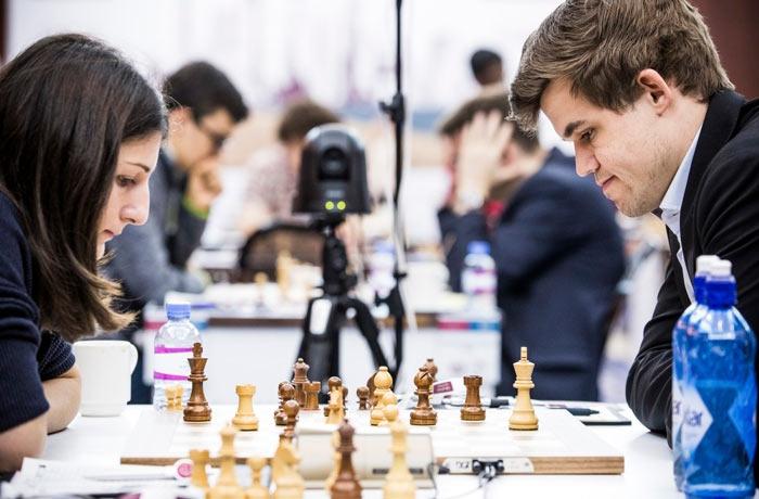 Нино Бациашвили и Магнус Карлсен (Доха, 2015)