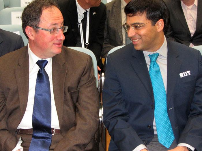 Борис Гельфанд и Вишванатан Ананд перед началом церемонии официального открытия матча за звание чемпиона мира по шахматам 2012 года