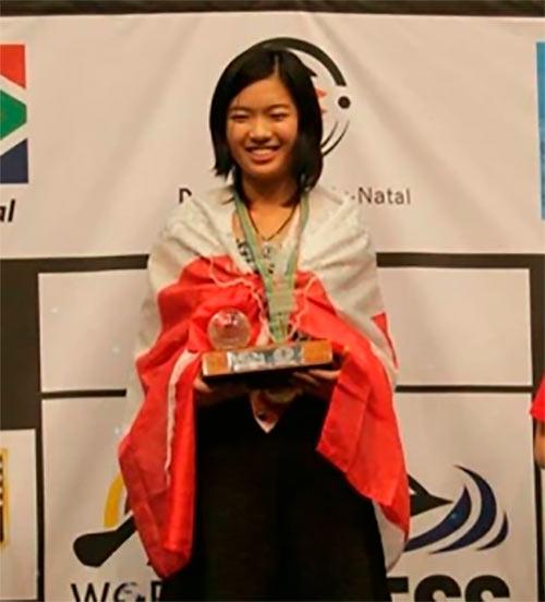 Циюй Чжоу - чемпионка мира среди девушек до 14 лет (2014)